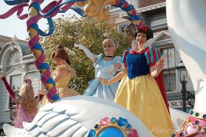 Hong Kong Disneyland Flights of Fantasy Parade Disney Princesses Snow White, Cinderella, Belle Sleeping Beauty Aurora