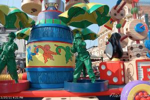Hong Kong Disneyland Flights of Fantasy Parade